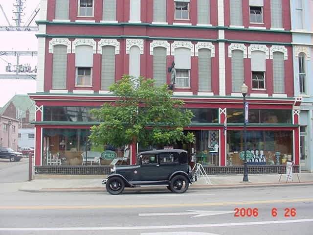 Clossman Antiques Market