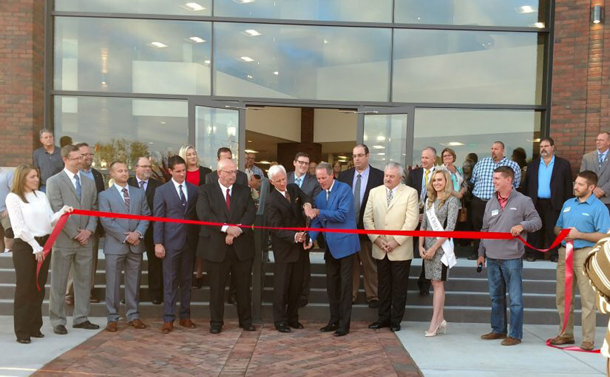 Zanesville-Muskingum-Chamber-Ribbon-Cuttings