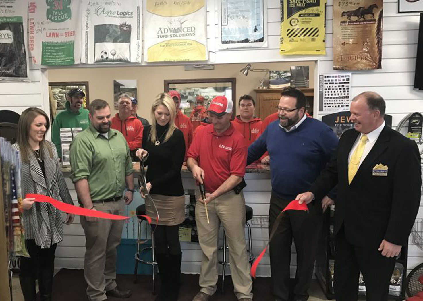 Zanesville-Muskingum-Chamber-Ribbon-Cuttings cp